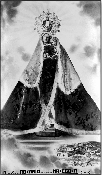 Esta composición fotográfica se distribuyó impresa en tarjetas en Masegosa en la década de 1960. Pero la imagen de la Virgen no debió pertenecer al pueblo.