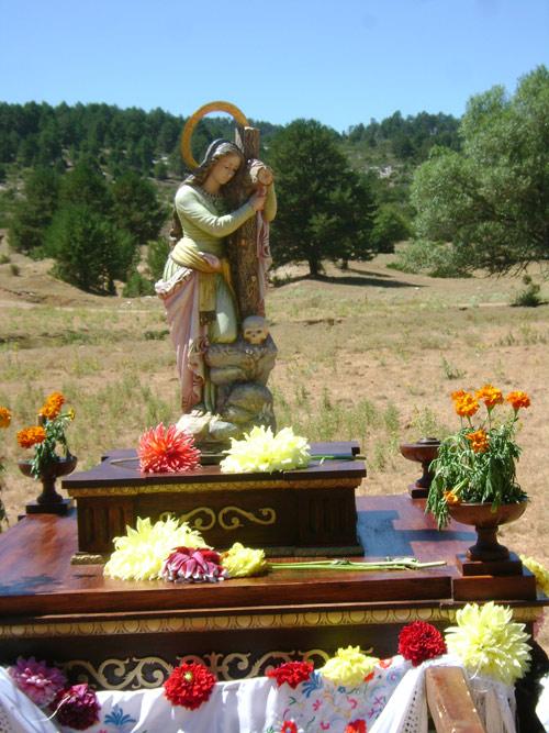 Talla reciente de Santa María Magdalena. Un día de romería de vuelta a Durón.