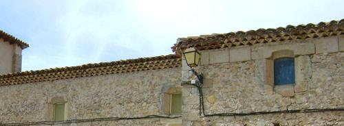 A la derecha, reutilización de ventana para iluminar la capilla de La Concebida, o de los Caballero.